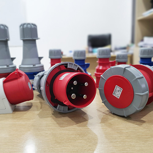 IEC Industrial Plug & Socket