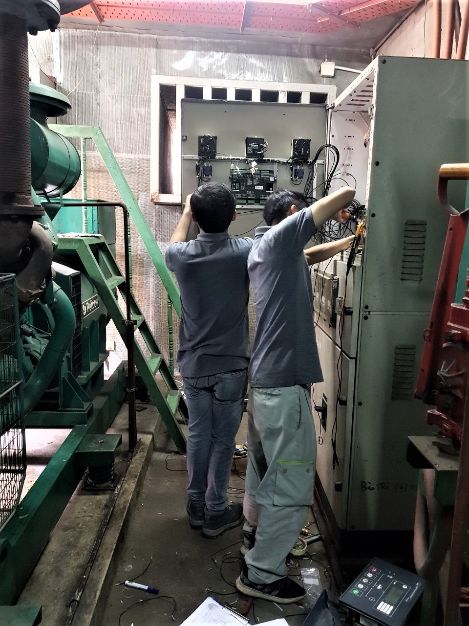 Service maintenance for air compressor, generator system